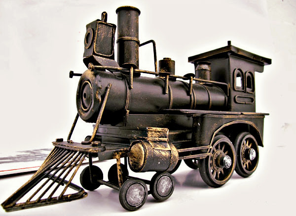 Free Shipping!Vintage Style Locomotive Model Metal Train Model Iron Steam Train Toy Handcraft Treasure Memory of old times Decor