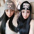 Women Luxury Rhinestone Pendant Knitted Hat Autumn Winter Top Fashion Crystal Hats Female Thickening Thermal Beret Cap