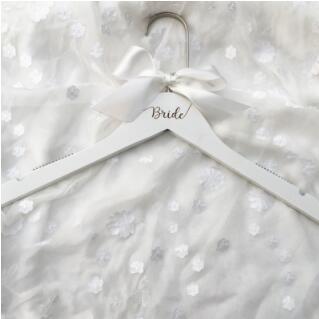 Вешалка для свадебного платья, вешалка для невесты, подарок для невесты, свадебные вечерние вешалки, Свадебные вешалки, подарки для подружки невесты - Цвет: One Bride White
