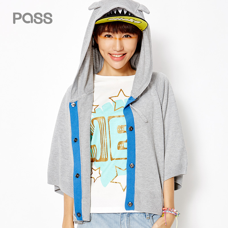 PASS 2017 New Arrival Women Spring Sweater Coat Casual Fifth Sleeve Lovely Hat Loose Sweater Female