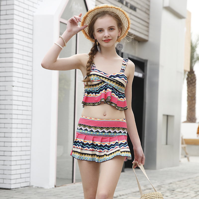 Summer Sexy National wind split Swimwear 2018 new Young girl Print Short skirt bikini Europe two pieces swimsuit bathing suits sexy flower two pieces swimsuit 2018 new