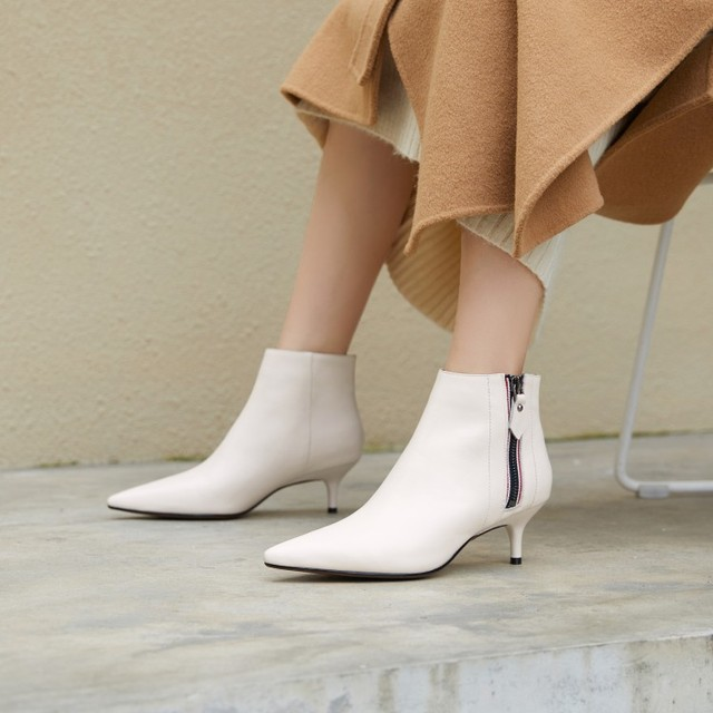 493aad8068f US $60.0 20% OFF|Elegant White Leather Kitten Heel Pointed Toe Ankle Boots  Fashion European Design Dress Boots Formal Shoes Women-in Ankle Boots from  ...