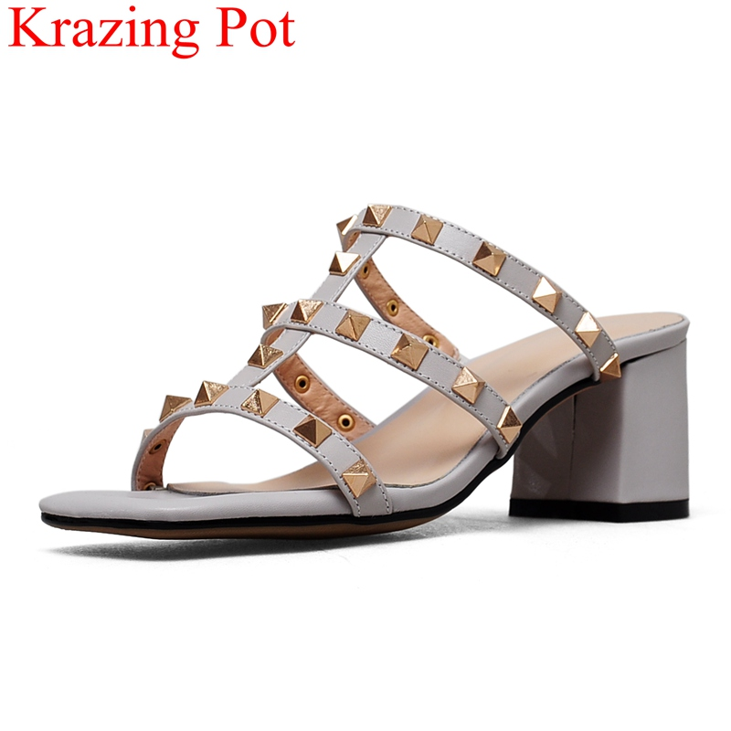 цена 2018 superstar peep toe rivet slingback shoes square heel women sandals high heels concise mules casual party casual shoes L70