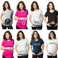 EUR Tamaño de Maternidad maternidad Tops Camisetas Del Cortocircuito Del Verano Camisetas Bebé Que Mira A Escondidas Divertido Ropa Para Embarazadas de Maternidad Camisa de Algodón