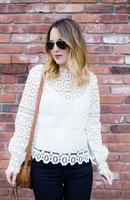 2016 Automne Transparent Dentelle T Shirt Femmes Blanc T-Shirt Sexy Tops Cut out See Through Noir Blusas Cut Out Femmes Tops Kimono