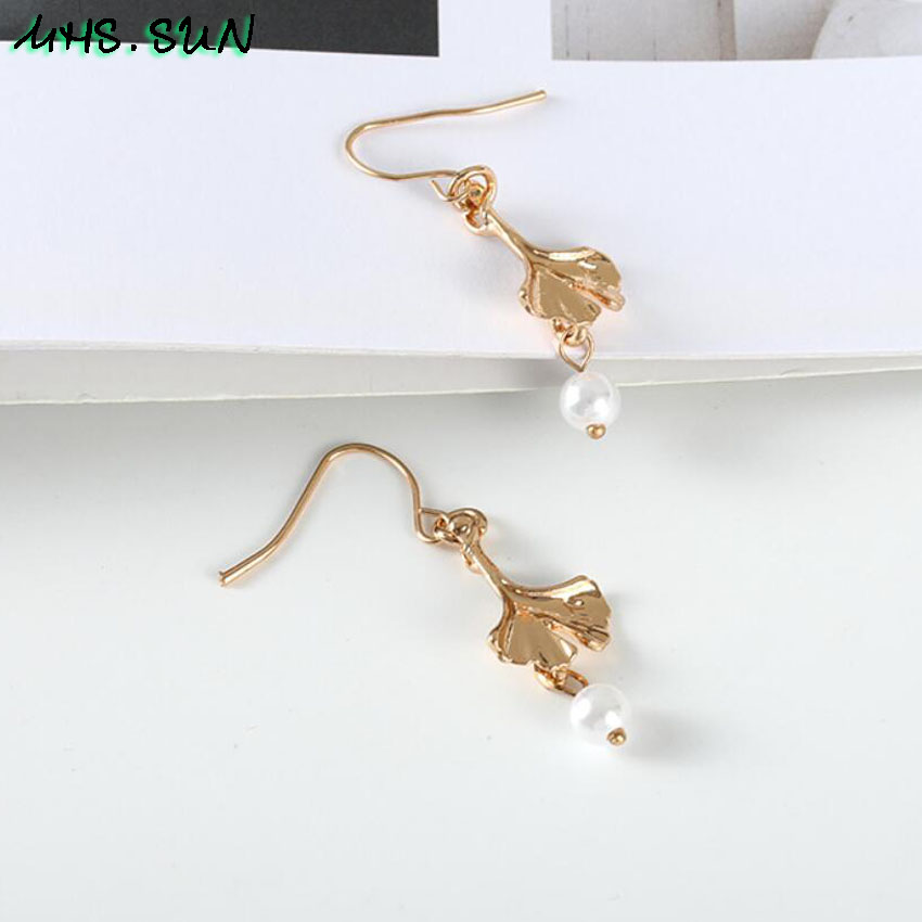 15-7Fashion Design Leave Pearl Drop Earrings Gold Color Girls Trendy Elegant Dangle Earrings Charm All-Match Jewelry 1Pair