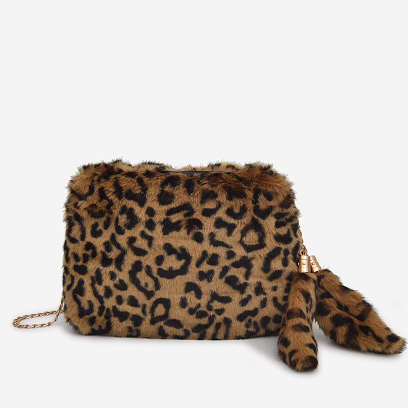 270cd0e87f96 LEFTSIDE Chain Crossbody Bags For Women 2018 Faux Fur Small Handbags  Fashion Vintage Leopard Hand Bags Winter Cluth Handbag-in Shoulder Bags  from Luggage ...