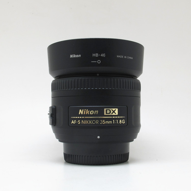 Objectif Nikon AF-S DX NIKKOR 35mm f/1.8G d'occasion avec mise au point automatique pour appareils photo reflex numériques Nikon