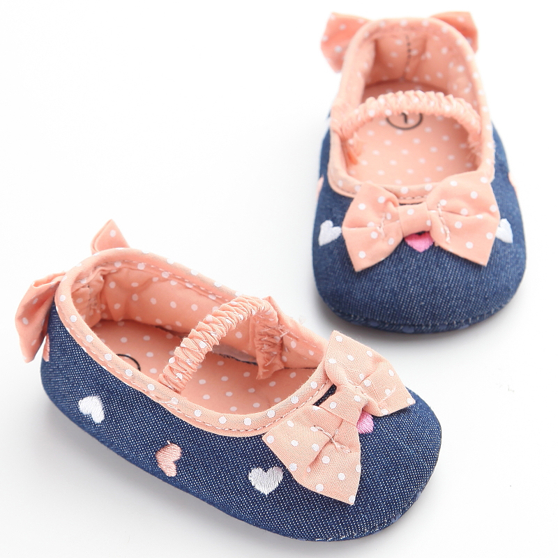 108ed047690d5 US $4.08 5% OFF|Blue Jeans Baby Girl Shoes Branded Bowknot 11 13cm Dots  Newborn Soft Sole Flat Slippers Infants Crib Sneakers Girls First Walker-in  ...