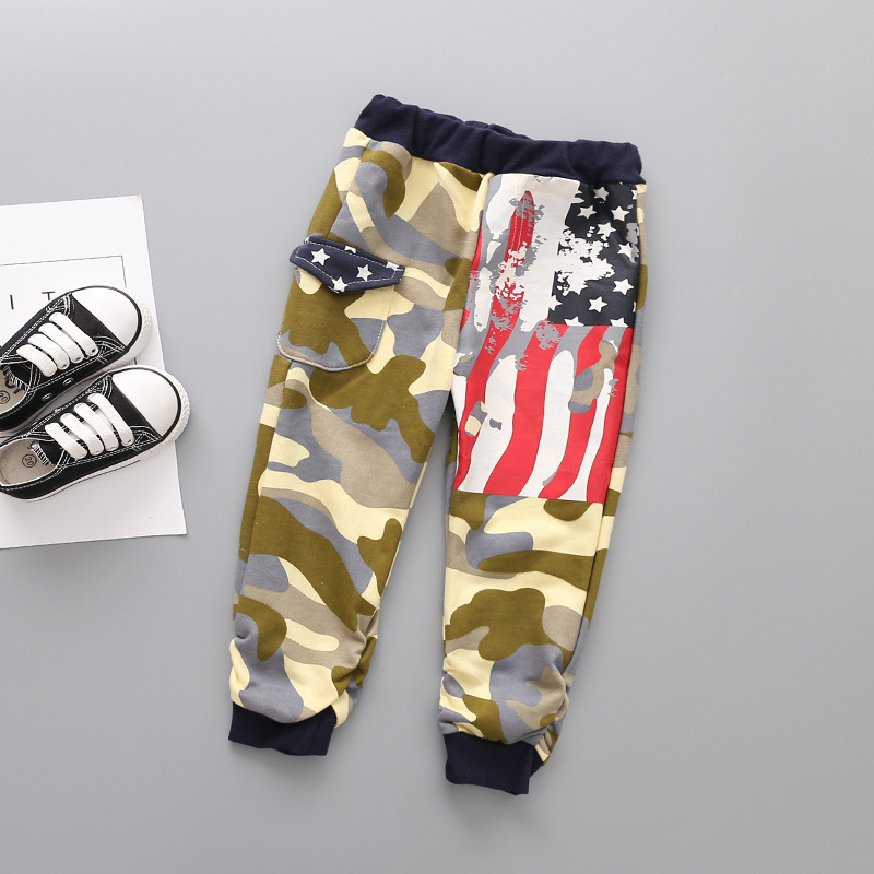 and 18 European and American children boy camouflage flag looped trousers Panty slacks Qiu dong is sell like hot cakes