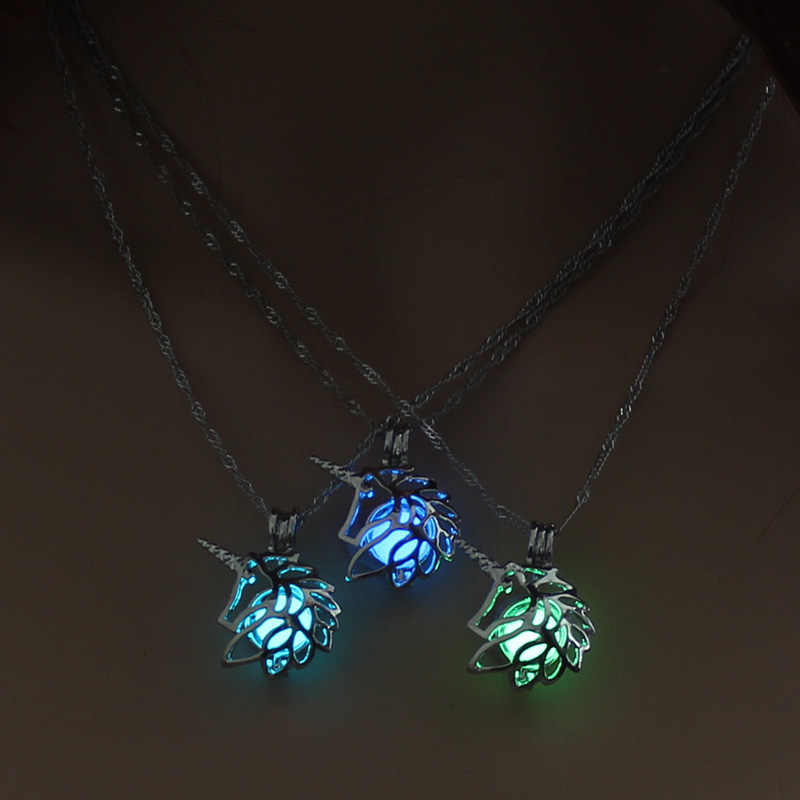 Glowing Unicorn Women Pendant Necklace Cute Luminous Pendant Jewelry 3 Colors Women Necklace for Christmas Gift