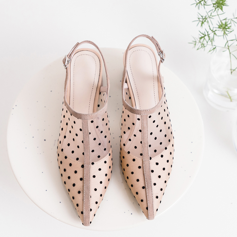 XIUNINGYAN Big Size Pointed Toe Women Shoes Pumps Mesh Buckle Strap Polka Dot Med Heels Sweet Pumps 2019 Women Leather Sandals