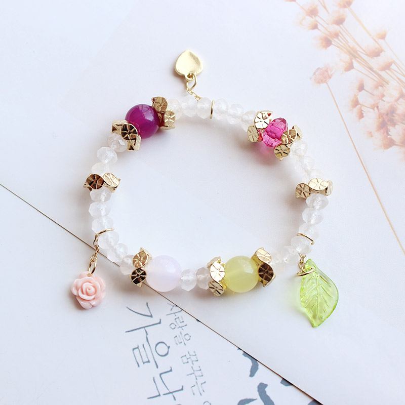resin flower and plastic leaf and metal heart shape decoration artificial clear plastic crystal-looking beads bracelet