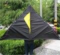 Envío gratis Outdoor Fun Sports 2015 nuevo 2 m potencia Trangle Kite LED / luminoso cometas con empuñadura y la línea Flying buena