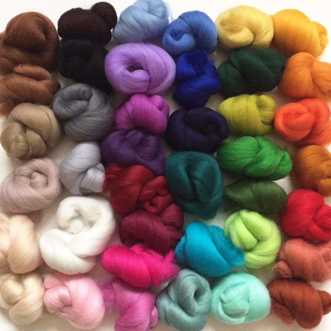 tops 10 colours Green hues Merino Wool dyed roving needle felting wet felting