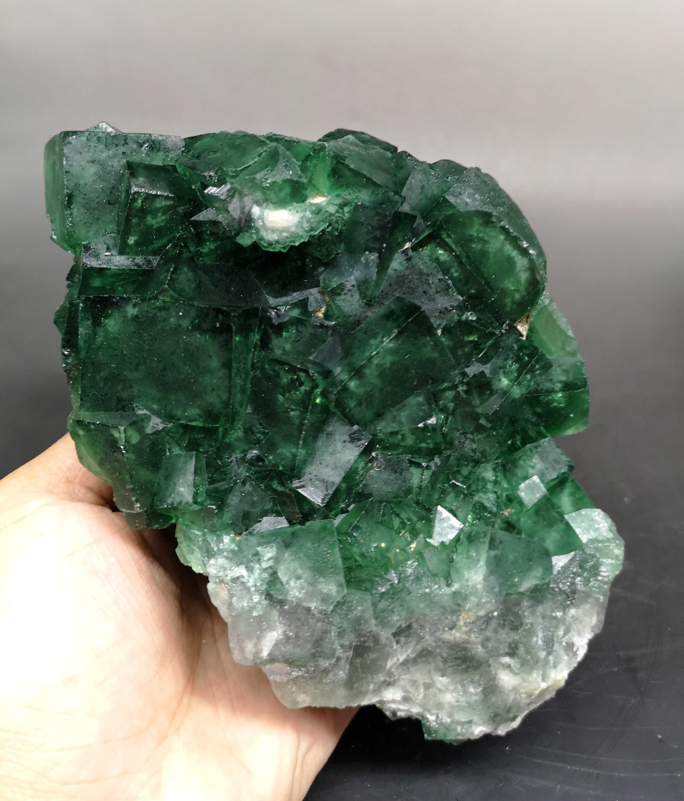 Big! 1466g Natural Large crystal green fluorite cluster mineral crystal specimens Stones and crystals Healing crystal