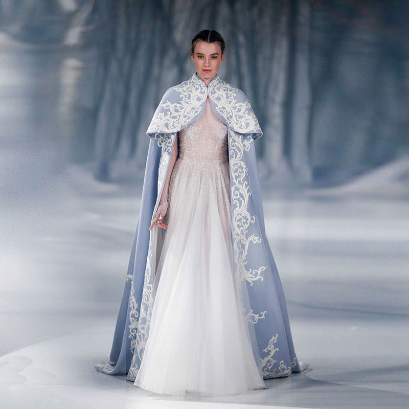 Haut cou longue broderie mariage Cape bleu manches longues Satin mariée boléro exquis dentelle Cape accessoires de mariage 2017 personnalisé