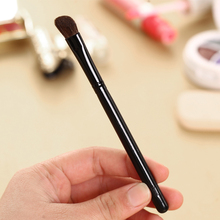 JWEIJIAO 1 Pc HIGHLIGHTER Perfect Professional Individual Face Brush Cosmetic Makeup Black Plastic Handle