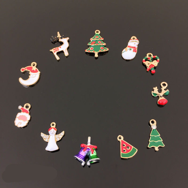 (10pcslot ) Female Fashion Cute Santa Claus Charms Alloy Pendant Fit for Necklaces Bracelets DIY Jewelry Earring Decoration