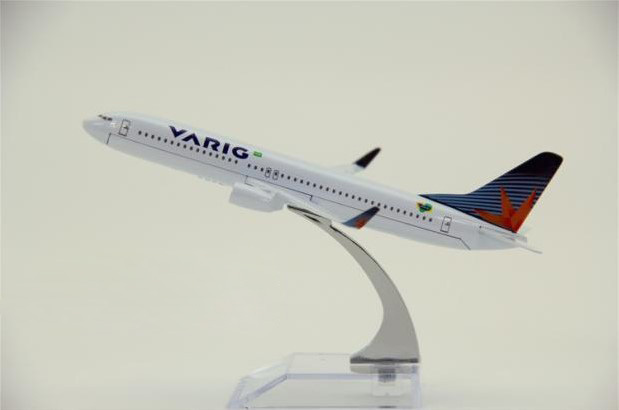 1:400 plane model Boeing 737-800 Brazil VARIG Airlines aircraft   Metal simulation airplane model for kid toys Christmas gift