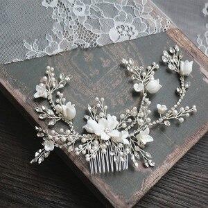 Image 1 - Цветок Серебряный цвет Свадебный гребень для волос ювелирные изделия Свадебная вечеринка ободки для невесты винтажная одежда для волос ювелирные изделия аксессуары