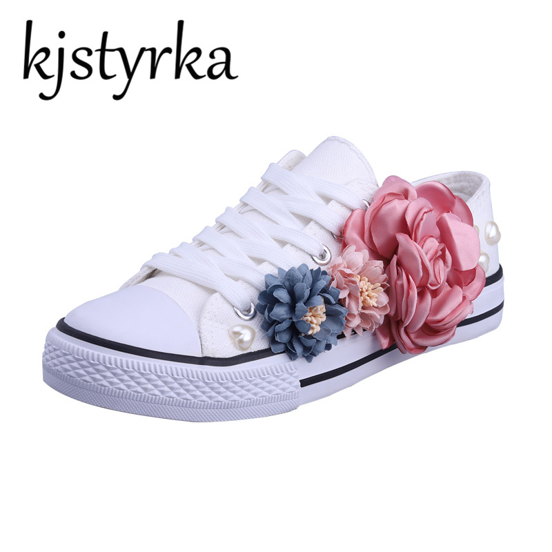 Kjstyrka Women Vulcanize Shoes Lace-up Breathable Trainers Casual Walking Shoes Flower Dectoration White Canvas Shoes Woman Flat