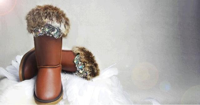 Chocolat couleur dames chaussures 2018 hiver femmes blanc neige bottes fourrure garder au chaud appartements mi-mollet bottes à la main strass bottes