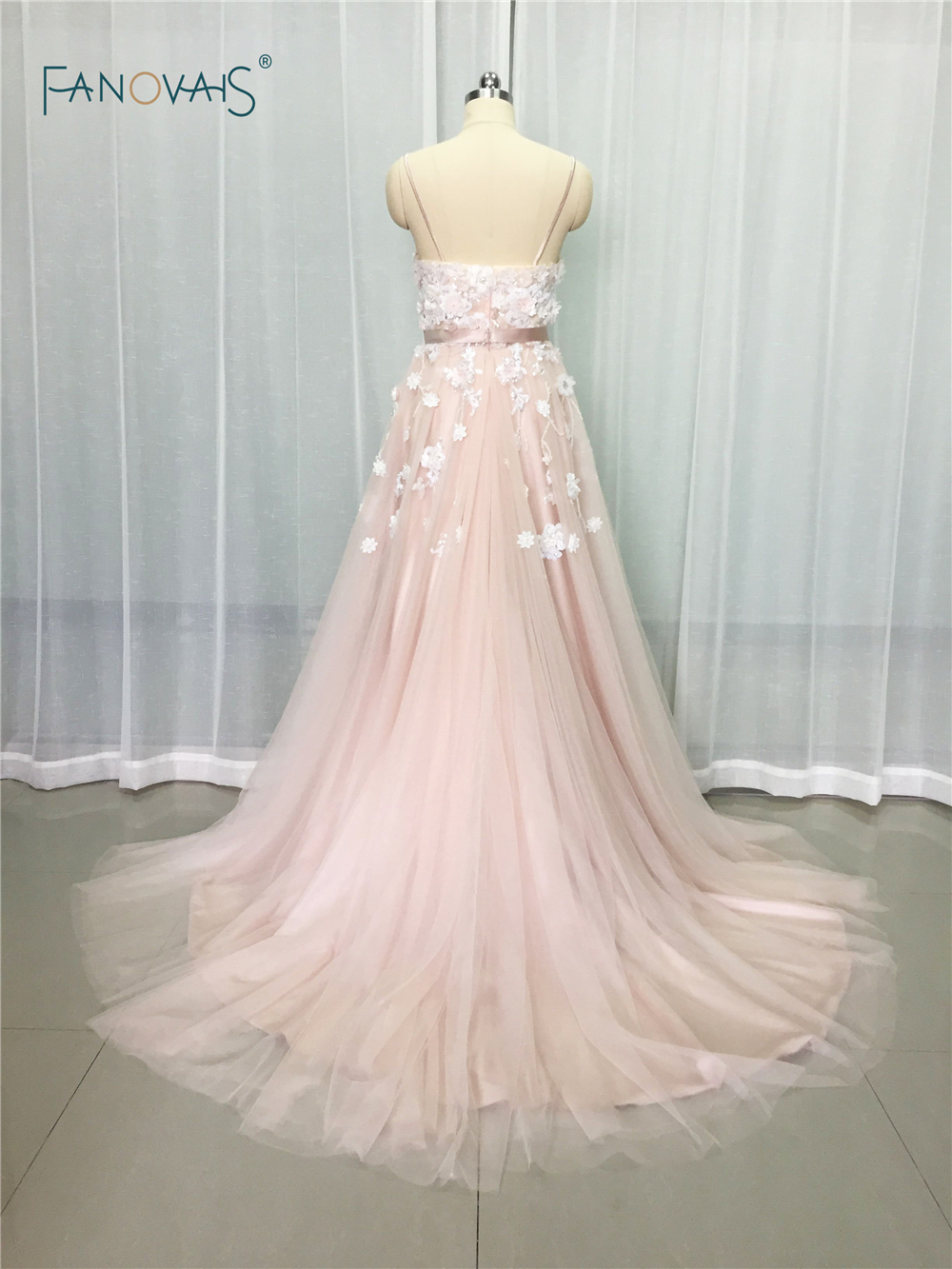 Image 2 - Sexy 2019 Blush Wedding Dresses with Crystal Spaghetti Straps Tulle Flower Wedding Gown Bridal Gown Vestido de Novia BT04blush wedding dresswedding dress with crystalswedding dress -