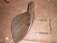 1 PC of WENGE WOOD Violin Chin rest with GOLD color Chin rest screw all in 4/4 without chin rest holes