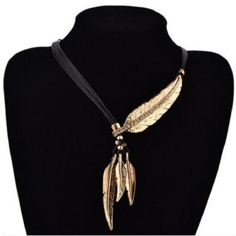 Women Necklace Alloys