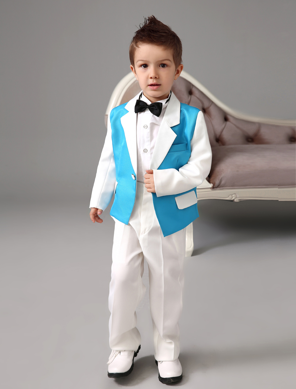 Four Pieces Luxurious formal blue and white boys suits Ring Bearer Suits kids Tuxedo With Black