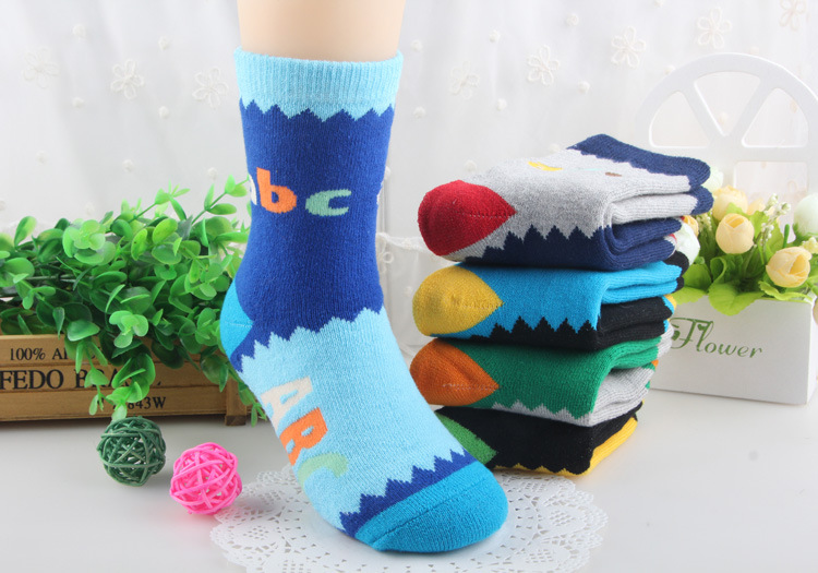 New 2017 autumn/winter cotton childrens socks With thick hair towel socks Kids Baby boys girls socks letters ABC 3pair/lot