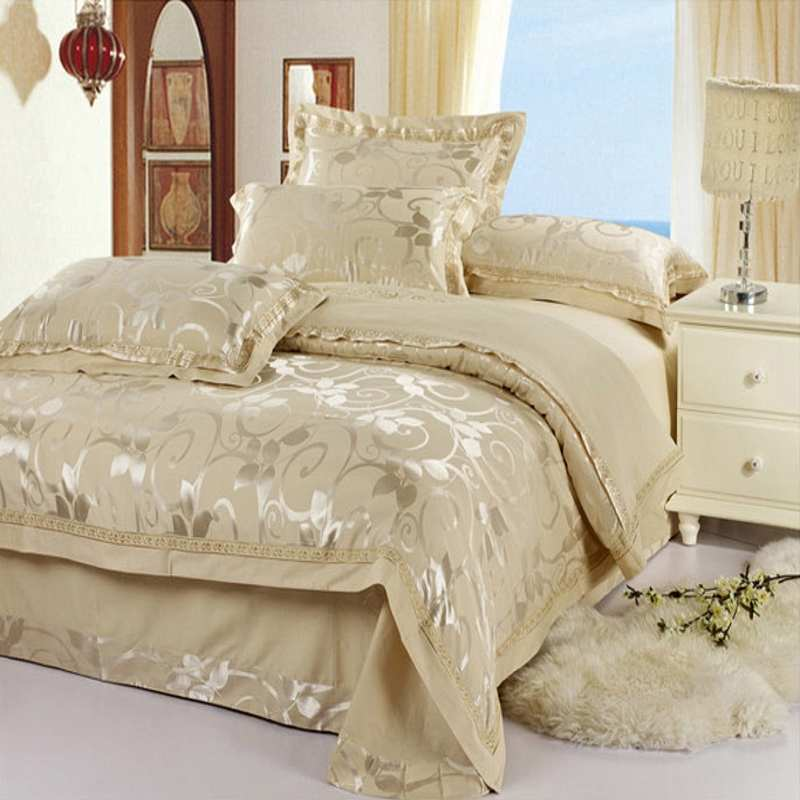 Luxury Jacquard bedding set Silk 4pcs satin bedclothes bed