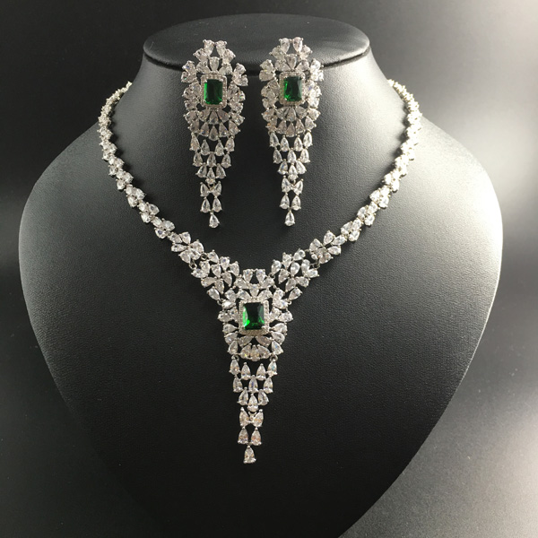 2019 NEW fashion luxury retro v style green zircon necklace earring set,wedding bride banquet dress dinner jewelry set popuplar