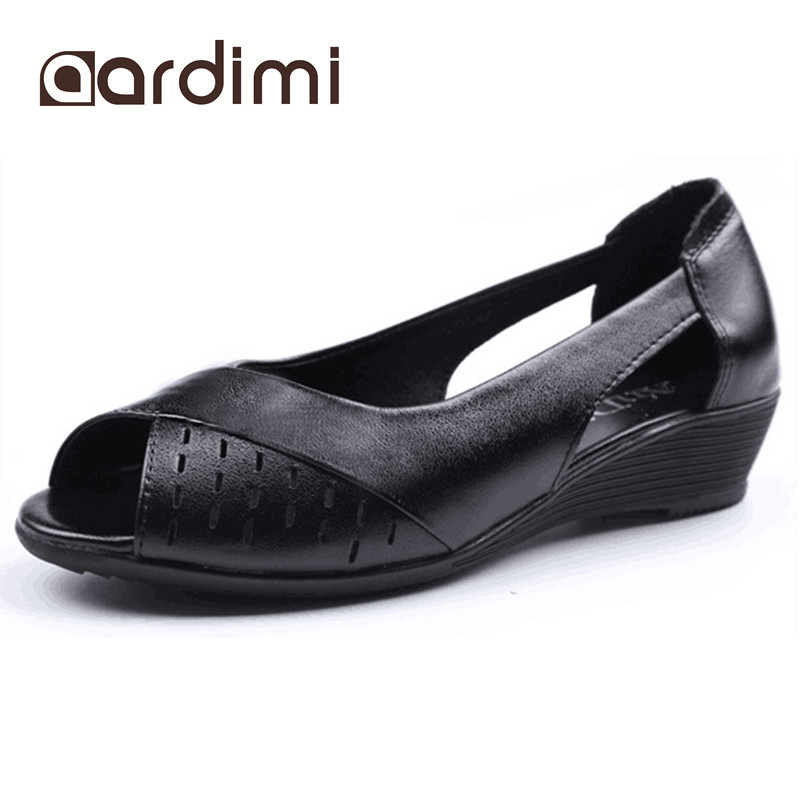Summer shoes woman genuine leather sandals women flats shoes casual black white slip on wedges summer sandals women  poadisfoo 2017 new summer style slip on women sandals flats for women black white color slippers shoes women hykl 1603