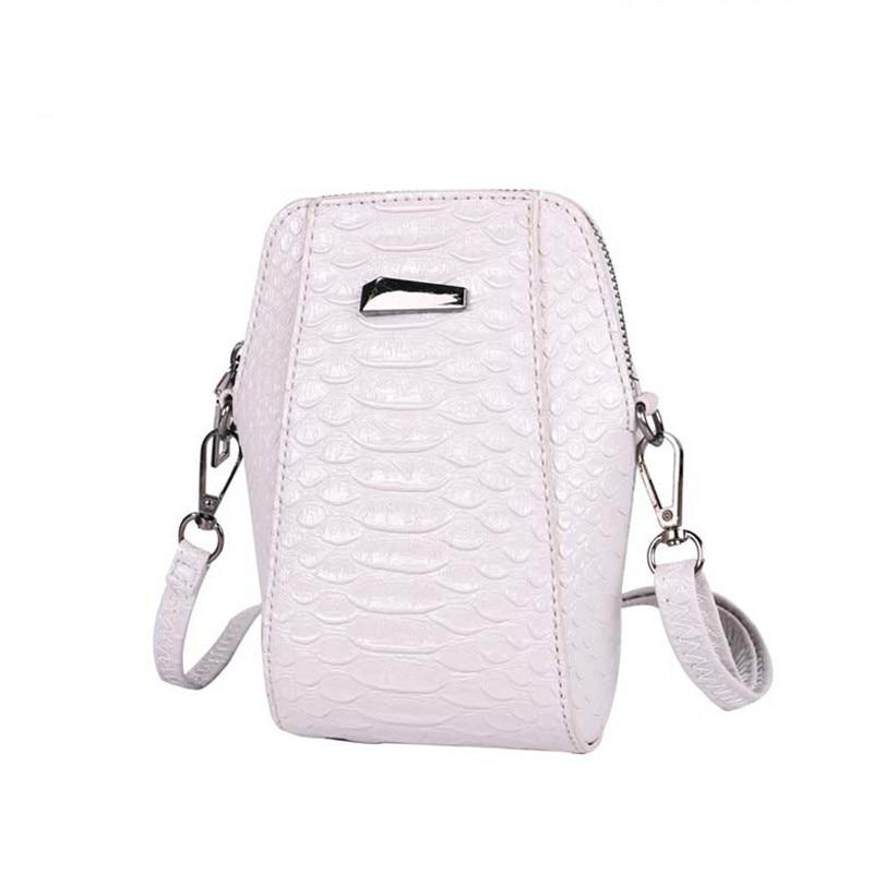 DAUNAVIA 2017 New Arrival Korean Cellphone Case Fashion Mini Shoulder Bag Fashion Hard Phone Bag Crocodile Style shell bolso serok ikan