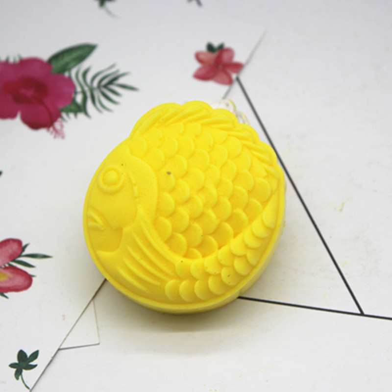 Yubusiness 6 Flower Stamps Moon Cake Mould 3D DIY Round Mooncake Mold Baking Decor Tool 50g