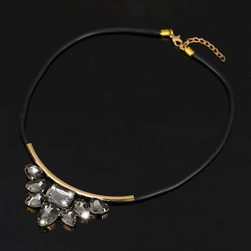 Quartz crystal pendant Exquisite Rhinestone Necklace 2016 Wholesale Newest Fashion Cortex Chain Collar Necklace Jewelry N001