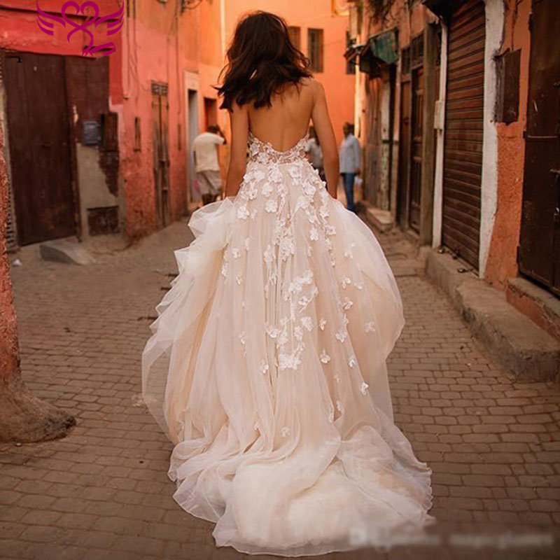 Romantic Princess Wedding Dresses Sweetheart Appliques Flowers A-Line Tulle Backless Boho Wedding Gown Bride Dress