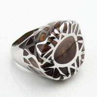 LYCOON Nowy Nabytek Mody mężczyzna lub kobieta big ring stal cztery kolor żywica importowane Emalia pierścień ze stali w gniazdo kształt LYR0014