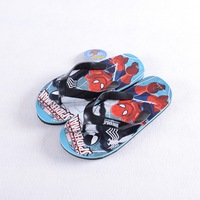 2017 летние дети сандалии для девочек девушки эльзы для мальчиков человек-паук томас сланцы пляжные сланцы нескользкие различных цвета