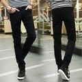 Hot 2017 los hombres de moda recta pantalones de mezclilla negro pantalones de chándal de los hombres adolescentes estudiante masculino flaco hip hop pantalones 28-34