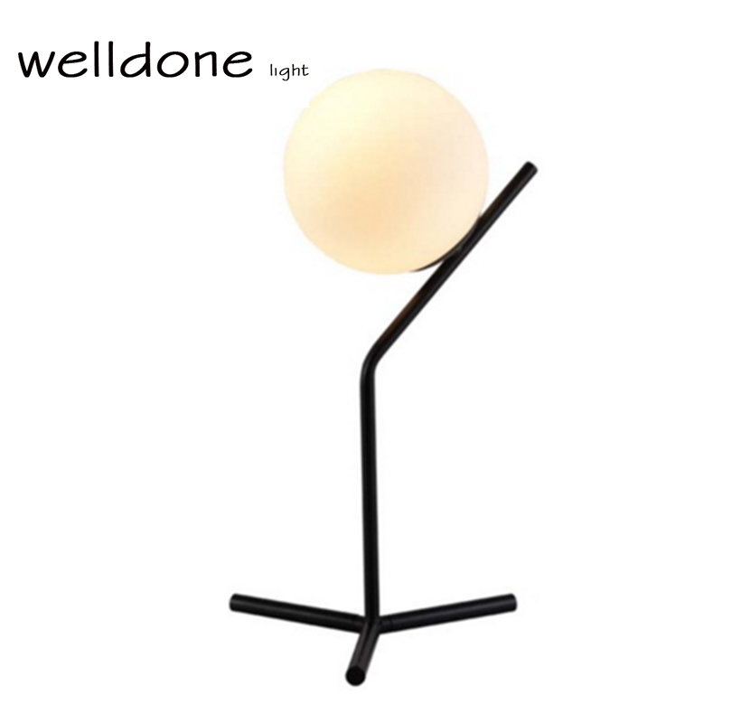 ФОТО Cheap E27 Black white Northern Europe Minimalist Modern Simple Glass Ball Table Lamp For Living Room Desk Light Stand lamp