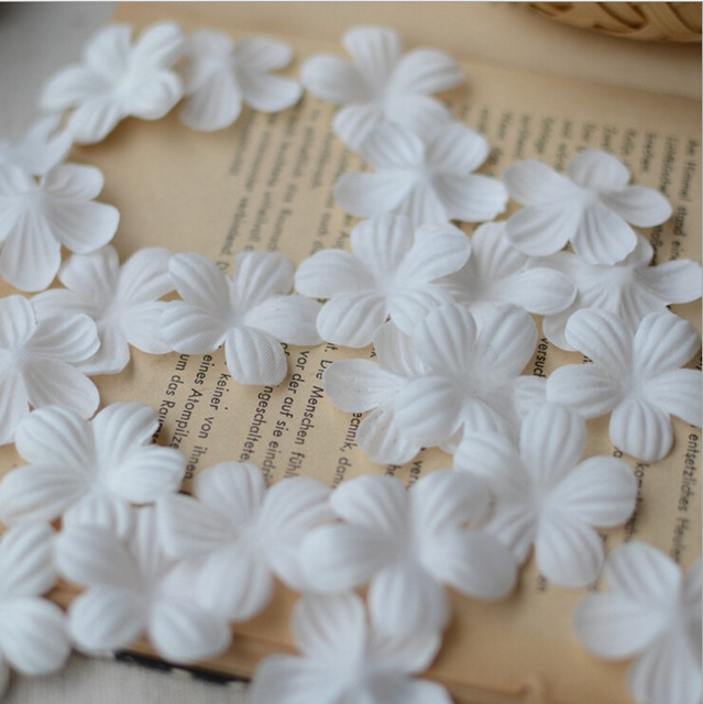 Online shop 2016 new 100pcs white lace flower fabric flowers for diy 2016 new 100pcs white lace flower fabric flowers for diy wedding dress decoration lace trim applique sew on garments flower mightylinksfo