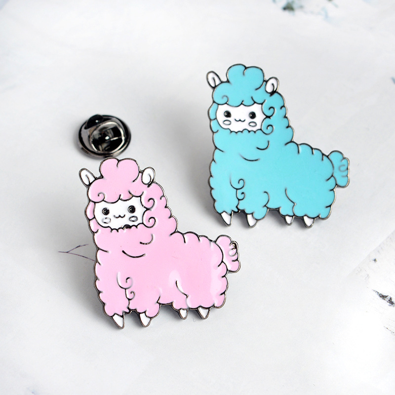 MISANANRYNE Cartoon Animal Lovely Little Sheep Alpaca Brooch Button Pins Pink Blue Brooch Denim Jacket Pin Badge Gift Jewelry