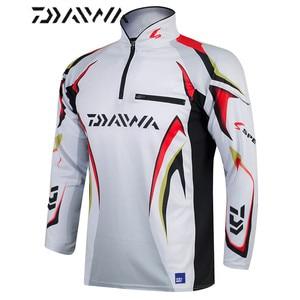 Image 2 - Daiwa brand fishing shirt Summer new men professional fishing t shirts UPF 50+ sunscreen clothing breathable fishing shirt