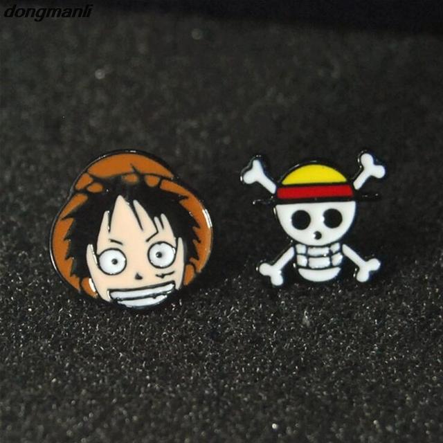 One Piece Anime Enamel Stud Pendientes