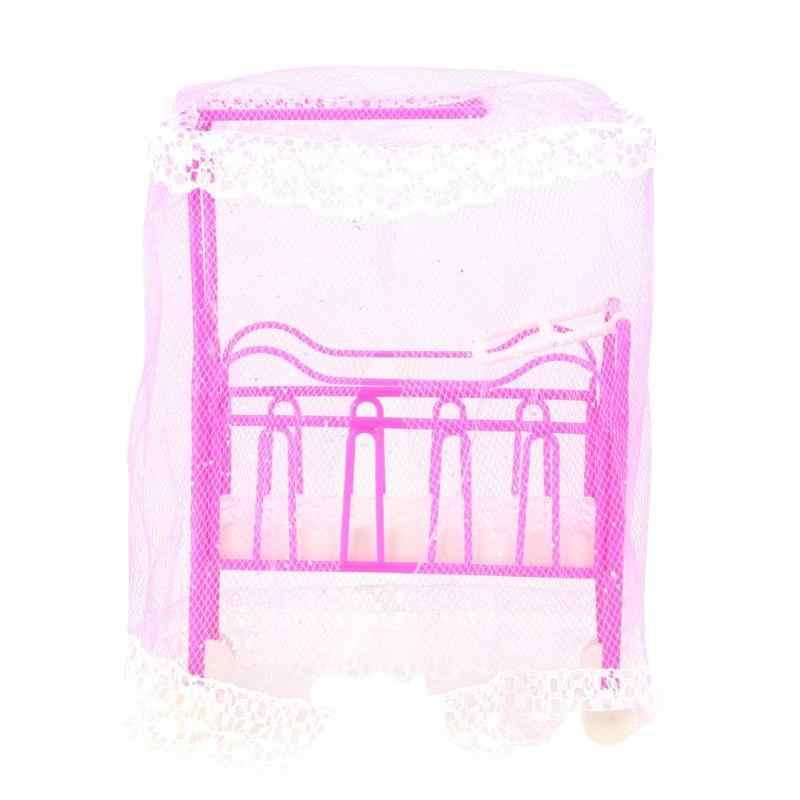 Пластиковая кроватка кровать с сеткой кукольные аксессуары Милая Кровать девочки кукольная мебель для кукол детская игрушка подарок (случайный цвет)