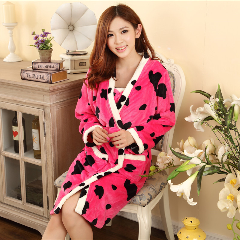 Autumn Winter Thick Flannel Pajamas Lovely Female Cashmere Coral Velvet Robe Long Sleeved Loose Nightgown Woman