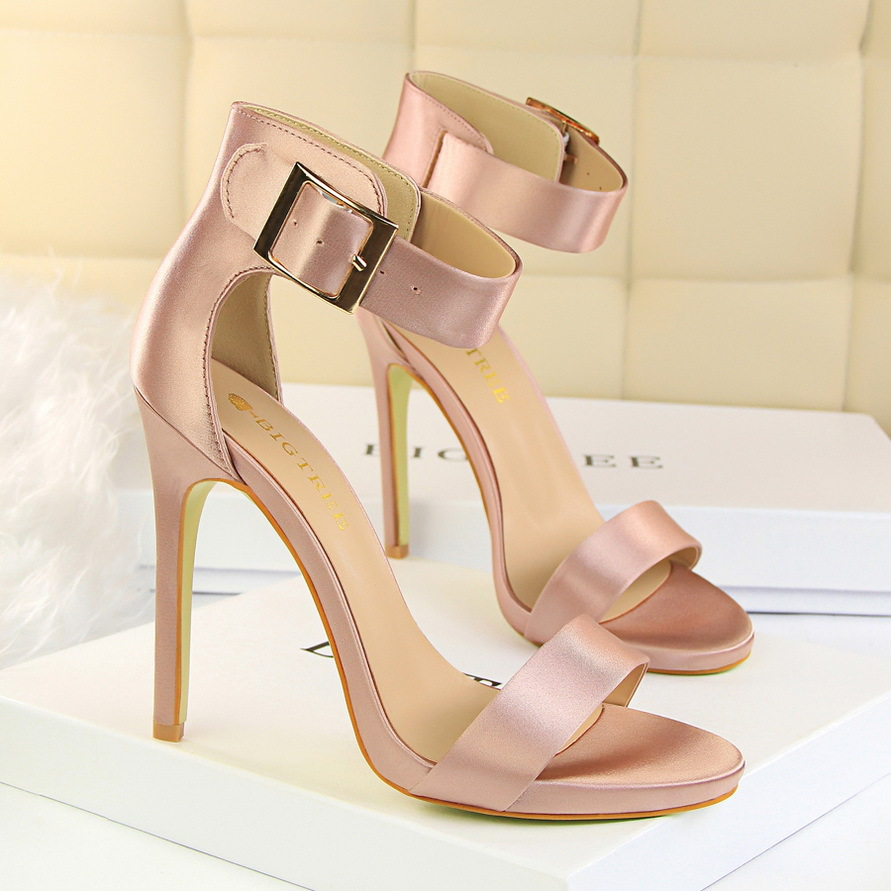 f98116bd5b9 Women shoes 2018 new spring summer High heels wedding air black pump ...